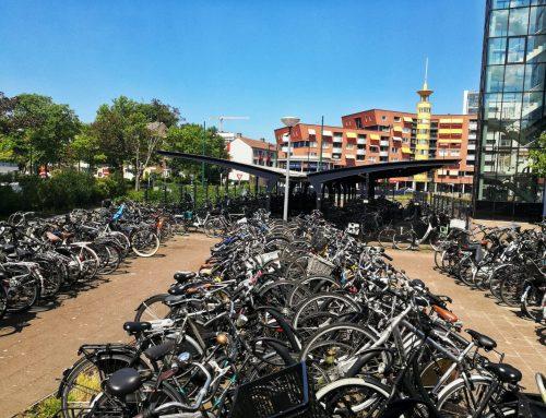 Bewaakte fietsenstalling bij station Rijswijk.