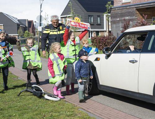 Bewoners ondernemen actie tegen hardrijders Rijswijk Buiten