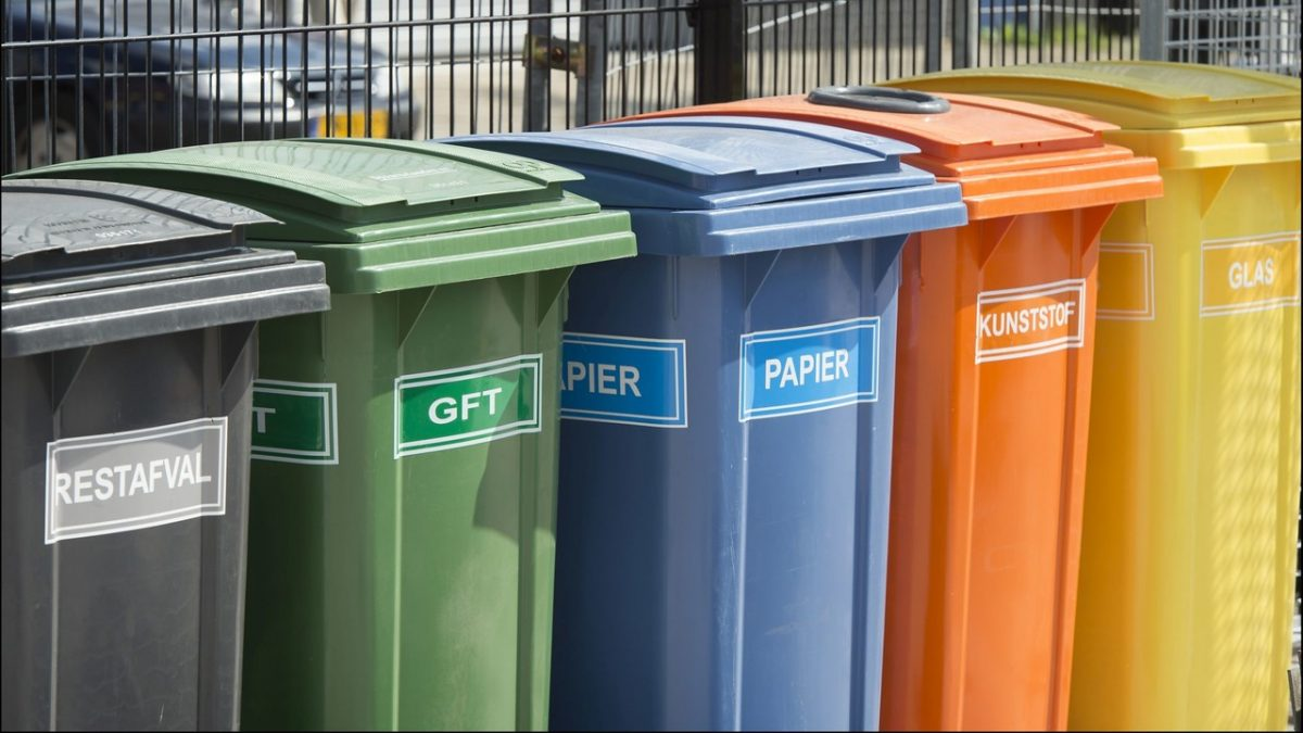 afvalbakken voor gescheiden inzamelen