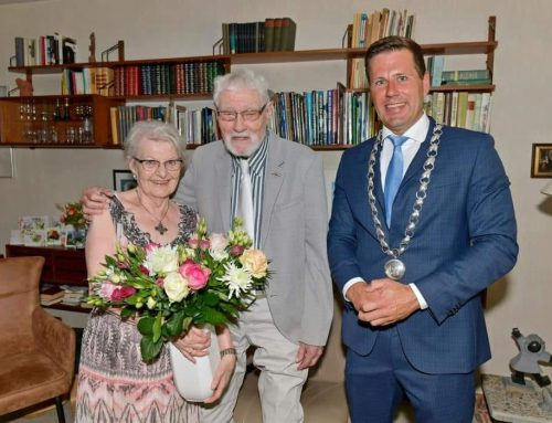 Loco-burgemeester Lugthart naar 60 jaar huwelijksgeluk